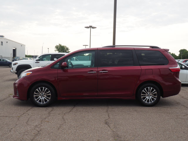 Certified Pre-Owned 2019 Toyota Sienna XLE
